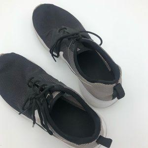 Nike Shoes - Black Nike Roche